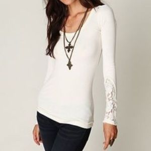 FREE PEOPLE CREAM THERMAL LACE TRIM SLEEVE…